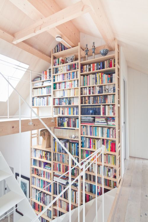 A bibliotherapy site is like a great bookshelf!